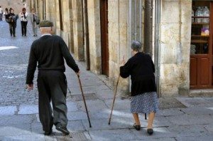 maltraitance de personnes âgées ou handicapées maltriatnac-epersonne-agees-300x198